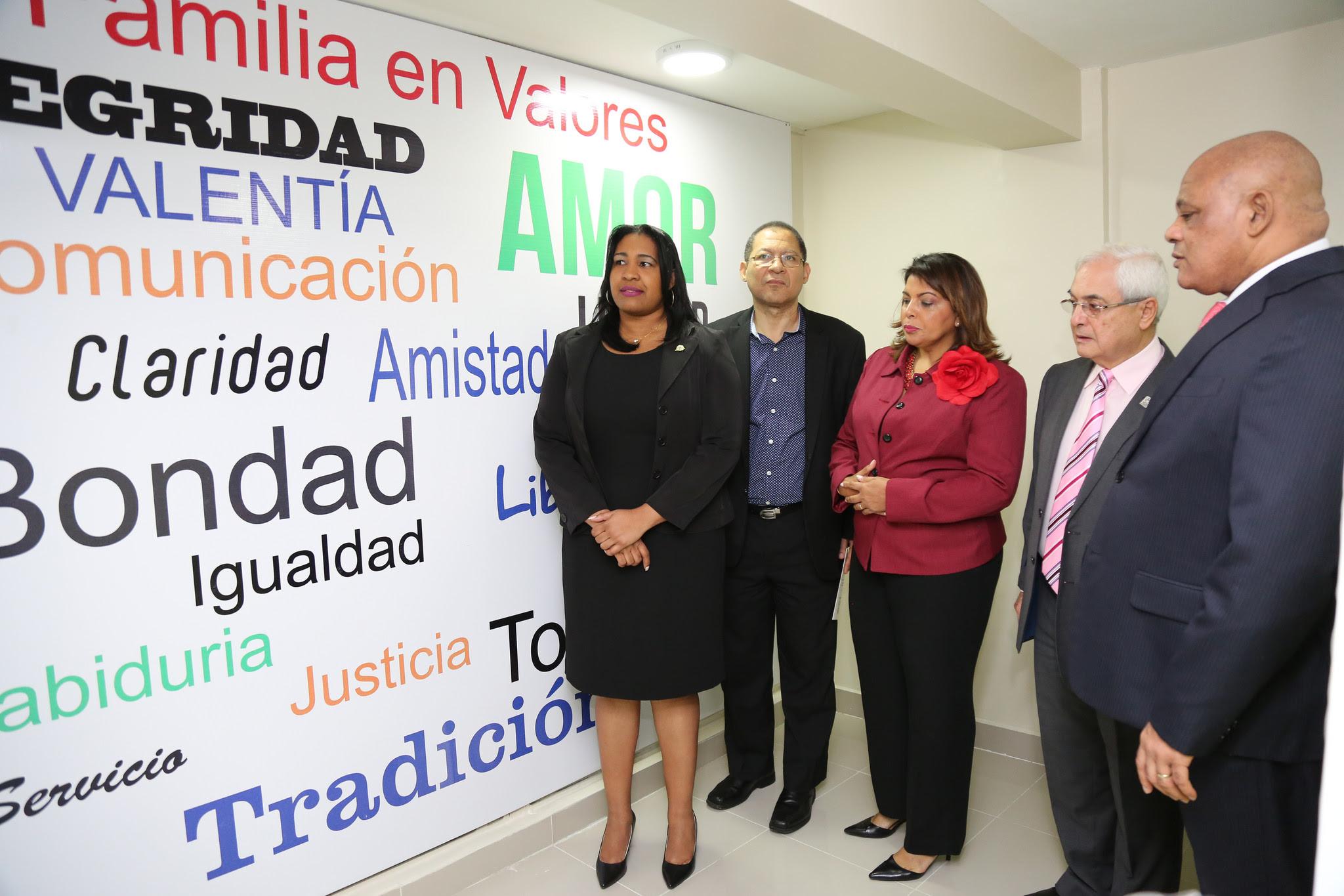d182557d-despacho-primera-dama-entrega-centro-de-atencion-integral-para-familias-del-sector-de-herrera